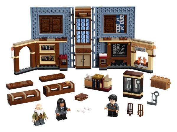 LEGO Harry Potter 76385 - Kouzelné momenty z Bradavic: Hodina kouzel